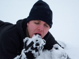 comer_nieve_mito_supervivencia