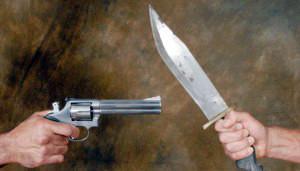 pistola_contra_cuchillo_