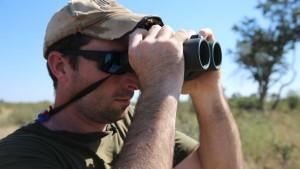 corey_knowlton_cazador_rinoceronte_negro_cnn