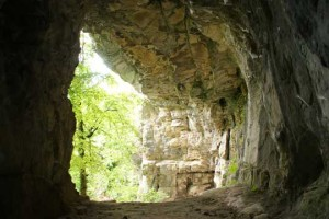 refugio_cueva_supervivencia