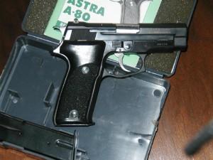 pistola_astra_a-80
